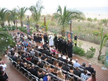 Outdoor wedding at Clarion Resort Fontainebleau Hotel.
