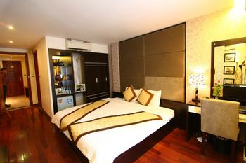 Guest room at Hanoi Victory Hotel.