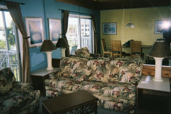 Living room at Englewood Beach & Yacht Club.