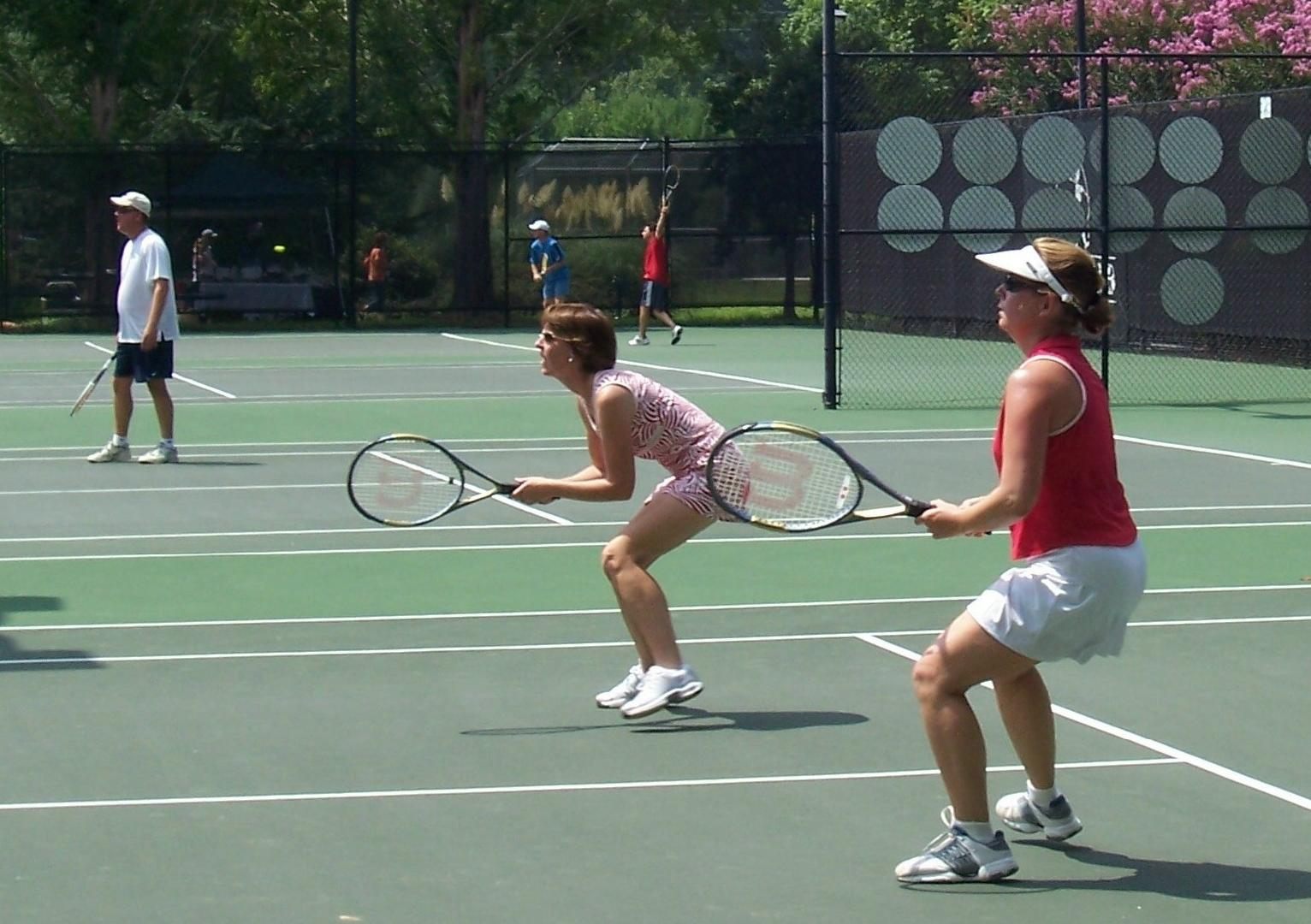 Tennis court at Inn At Lake Joseph.