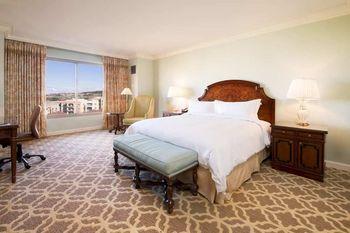 Guest bedroom at Hilton Lake Las Vegas Resort & Spa.