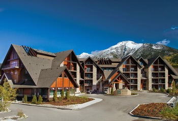 Exterior view of Grande Rockies Resort.