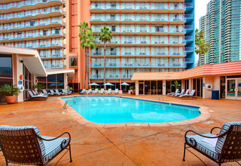 Outdoor pool at Wyndham San Diego Bayside.
