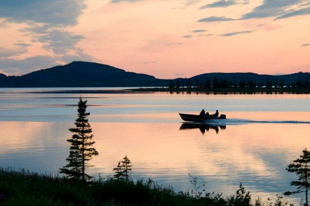 Plummer 39 s arctic fishing lodges great bear lake for Canada fishing lodges