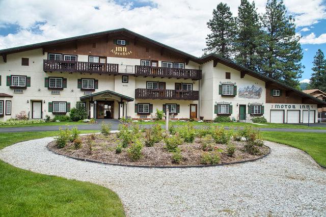 Exterior view of Alpen Rose Inn.