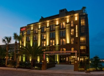 Exterior view of Bohemian Hotel Savannah Riverfront.