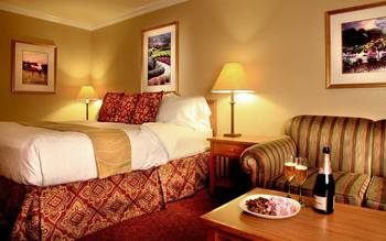 Romantic packages at Dry Creek Inn Hotel.