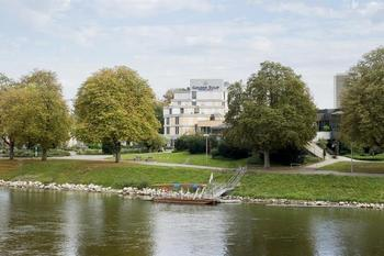 Exterior view of Golden Tulip Parkhotel Neu-Ulm.