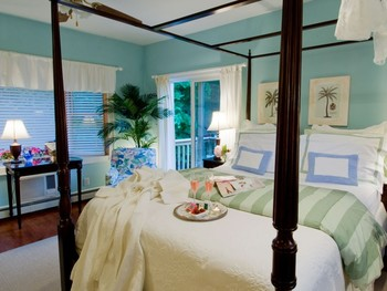 Guest room at Quintessentials.