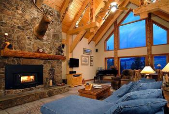 Cabin living room at Allstar Lodging.