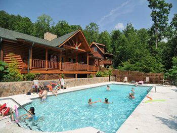Outdoor pool at American Mountain Rentals.