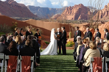 Wedding ceremony at The Inn at Entrada.