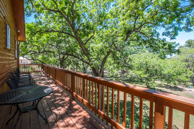 River bluff cabins rio frio tx resort reviews for Cabins along the frio river