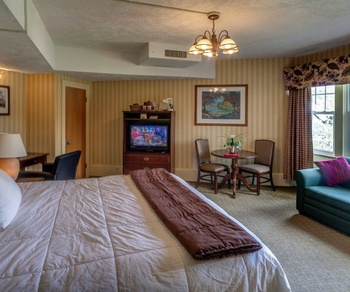 King guest room at The Shawnee Inn and Golf Resort.