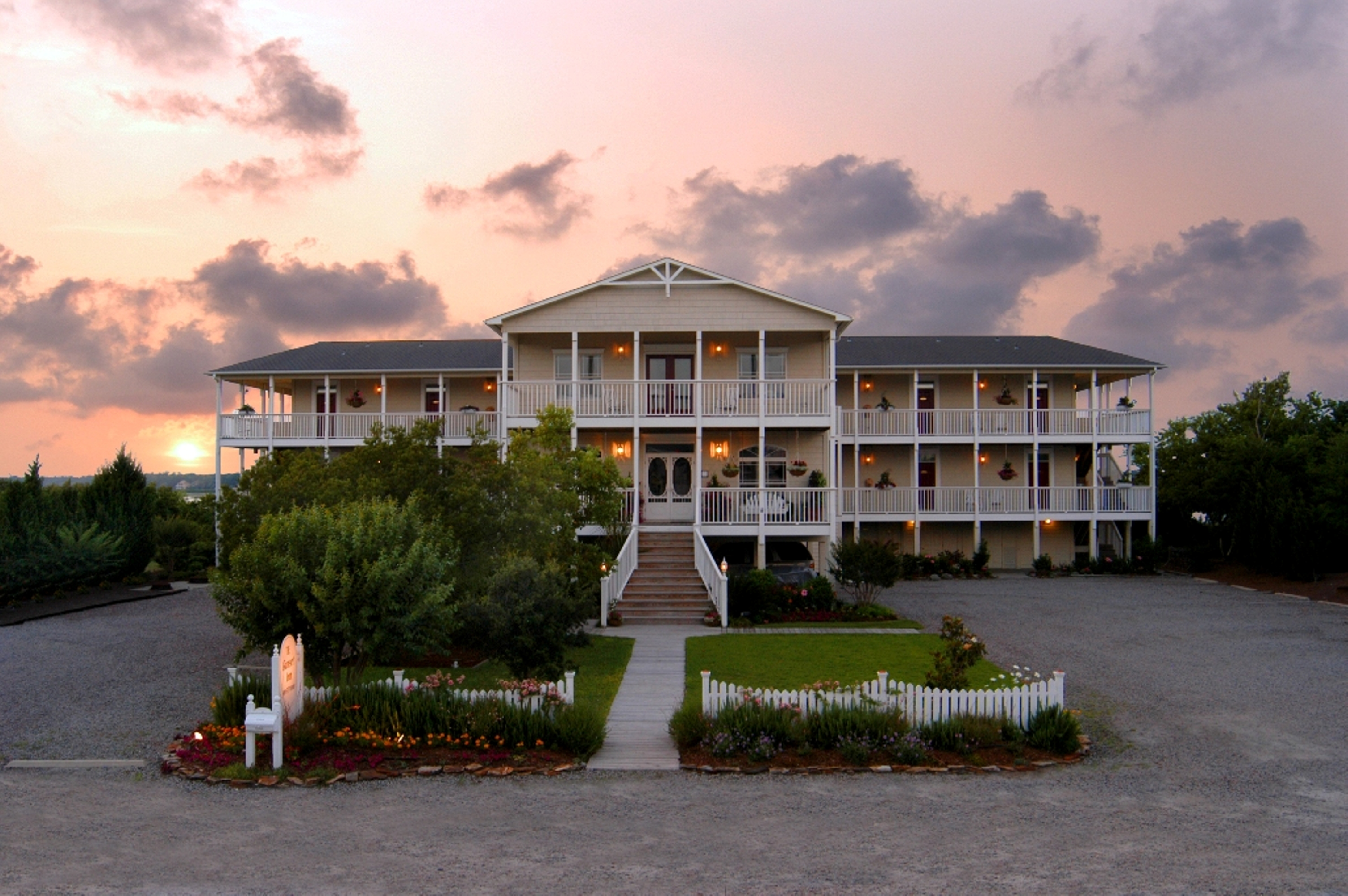 Exterior View at The Sunset Inn