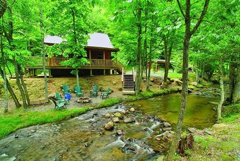Cabin at Lands Creek Log Cabins