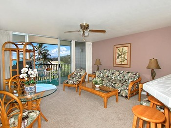 Vacation rental living room at Wailua Bay View Condos.