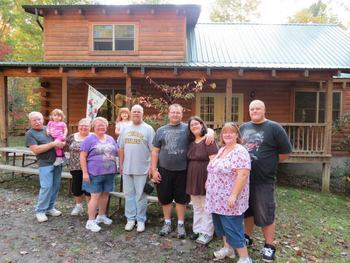 Family reunions at Country Road Cabins.