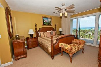 Rental bedroom at Sterling Shores.