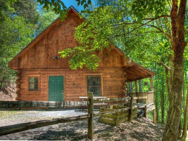 Hidden creek cabins bryson city nc resort reviews for Cabin in north carolina mountains