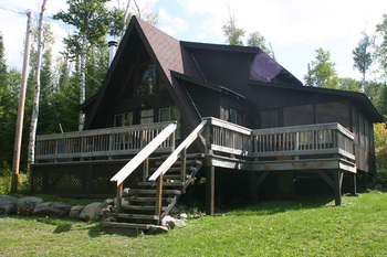 Cabin exterior at Custom Cabin Rentals.