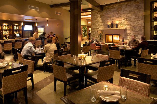 Casa munras garden hotel spa monterey ca resort for 30 east salon downingtown reviews
