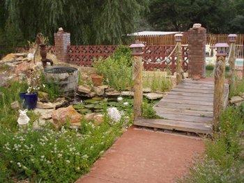 Outdoor garden at Arrowhead Bed & Breakfast.