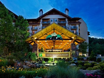 Exterior view of Holiday Inn Club Vacations Smoky Mountain Resort.