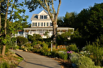 Exterior view of 2 Village Square Inn Ogunquit.