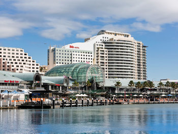 Exterior view of Ibis Hotel Darling Harbour.