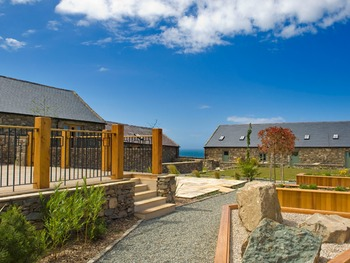 Natural Retreats Llŷn Peninsula, in North Wales: traditional self catering holiday residences.