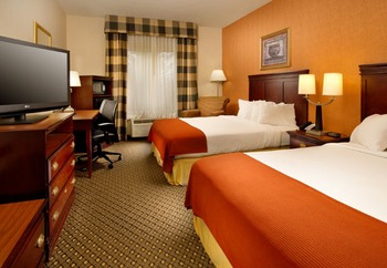 Two Queen Room at Holiday Inn Express Chambersburg