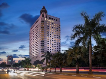 Exterior view of Traders Hotel-Yangon.