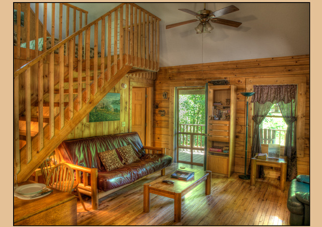 Bryson city vacation rentals cabin two bedroom log for 2 bedroom log cabin with loft