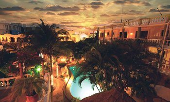 Exterior view of Aventura Mexicana.