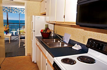 Guest kitchen at Caribbean Resort & Villas.