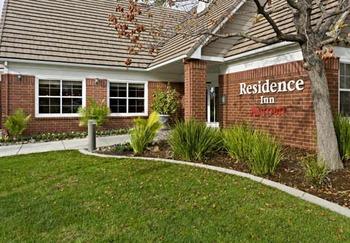 Exterior view of Residence Inn Sacramento Rancho Cordova.