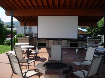 Outdoor conference Area at Mountain View Lodge.