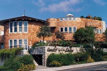 Exterior view of Cardiff by the Sea Lodge.