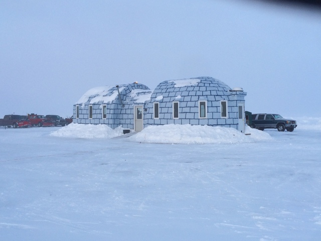 Zippel bay resort baudette mn resort reviews for Lake of the woods ice fishing rentals