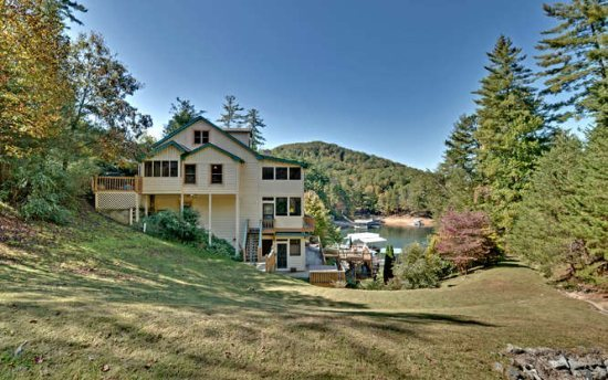 Blue Ridge Vacation Rentals Cabin Beautiful 6 Bedroom Cabin Just A Stones Throw From Falls