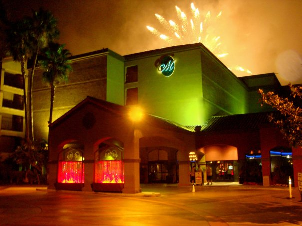 Exterior view of Menage Anaheim Boutique Hotel.