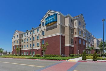 Exterior view of Staybridge Suites Sacramento Natomas.