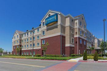Exterior view of Staybridge Suites Sacramento Natomas.