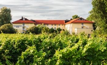 Exterior view of Steigenberger MAXX Hotel Deidesheim.