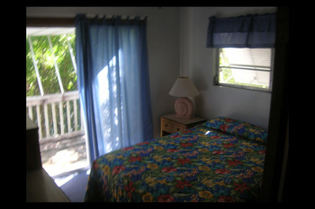 Guest bedroom at Ed & Ellens Big Pine Key.