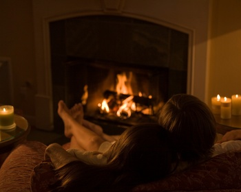 Romantic Fires at Cottage Grove Inn