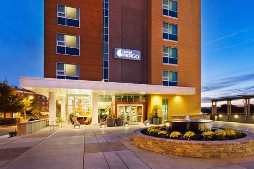 Welcome to the Hotel Indigo Asheville Downtown