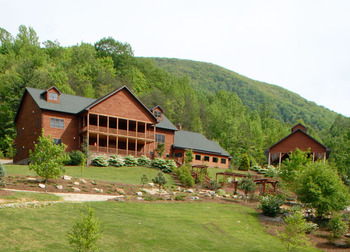 Exterior view of House Mountain Inn.