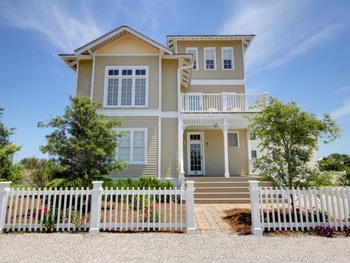 Vacation in a beach access home with Pointe South, located just a short distance away from the beach.
